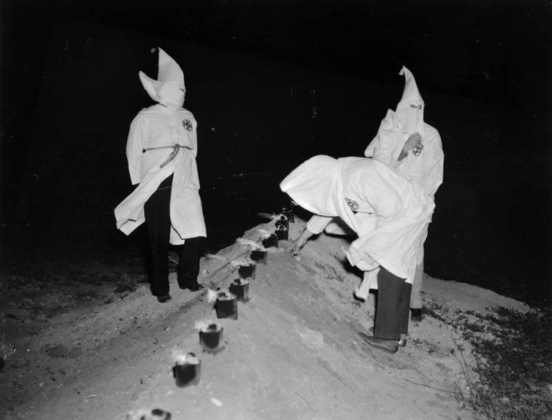 a research on the ku klux klan The ku klux klan is an organization that expanded operations into canada, based on the second ku klux klan established in the united states in 1915 it operated as a fraternity, with chapters established in parts of canada throughout the 1920s and early 1930s the first registered provincial chapter was registered in.