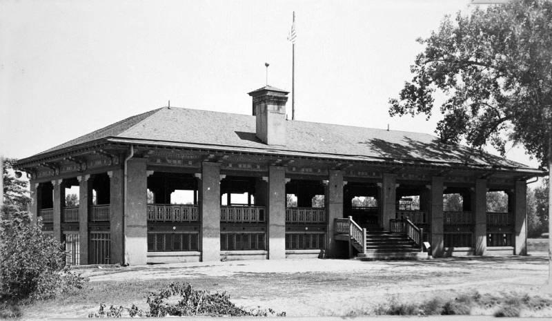 Washington Park Boathouse And Pavilion