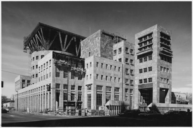 Remembering Central Library Architect Michael Graves